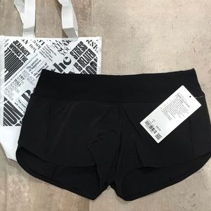 "Lululemon - Speed Up Short 2.5"" *Lined"